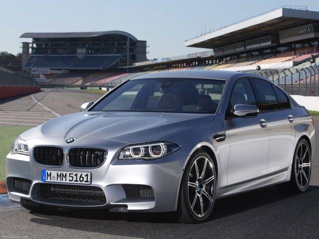 BMW представила обновленный седан M5