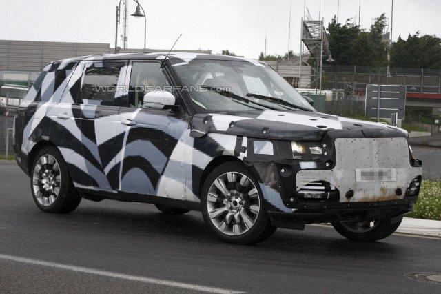Удлиненный Range Rover появился на дороге