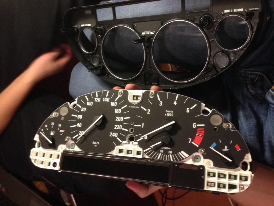 Ремонт пикселей приборной панели BMW